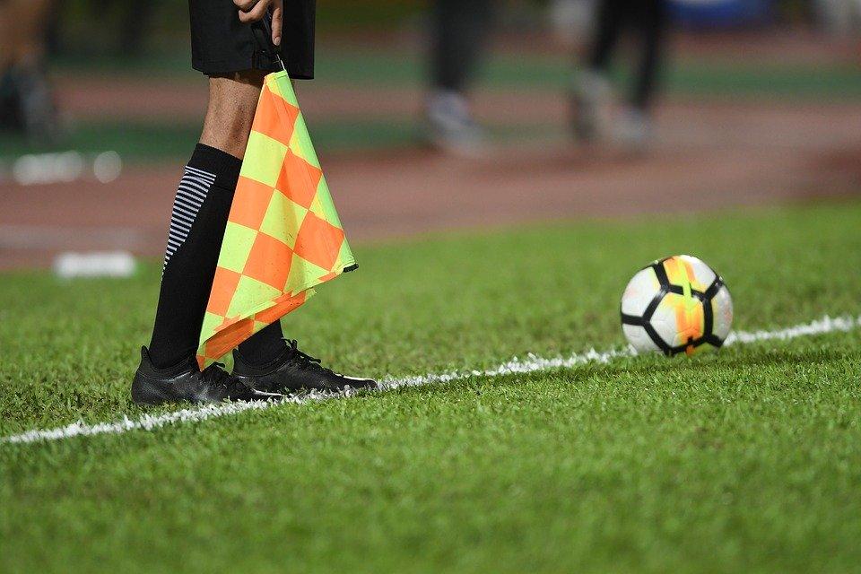 referee-3769454_960_720